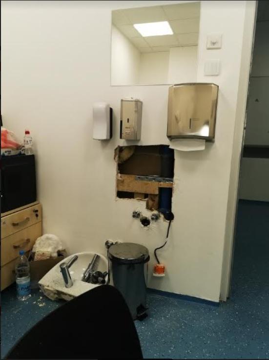 Lekarska soba u kovid bolnici u Batajnici, privatna arhiva
